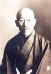 103初代校長加藤逢吉先生写真
