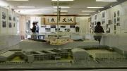 ②西側展示と現校舎模型